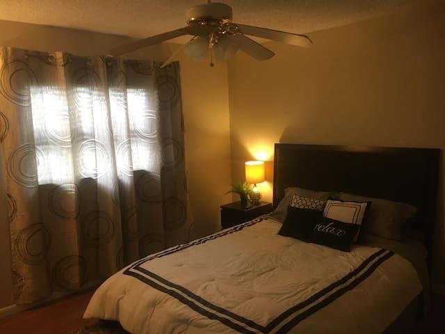 Room in the prestigious Orlando area