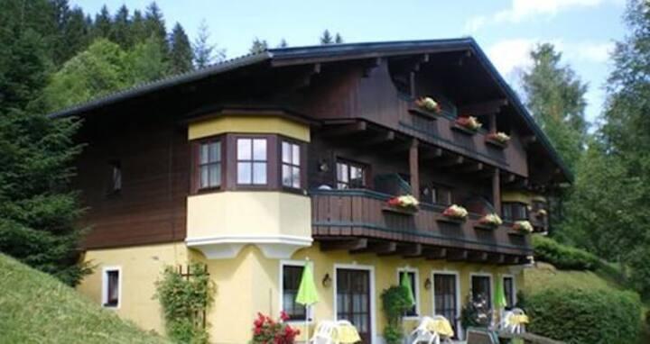 Stunning Golf-Und Ferienclub Amadeus- Studio