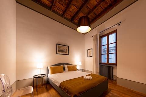Orfane30, luxury historical apartment