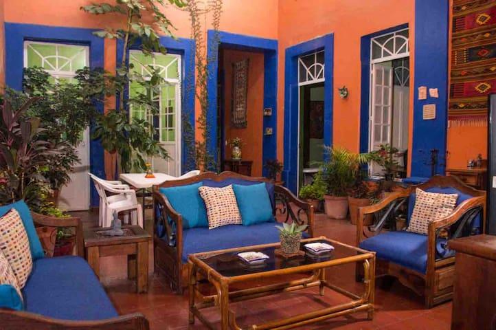 (1) Casa colonial | Zona centro-chapultepec