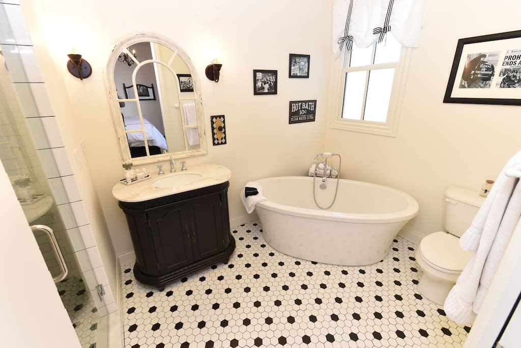 The Reserve Suite - bathroom