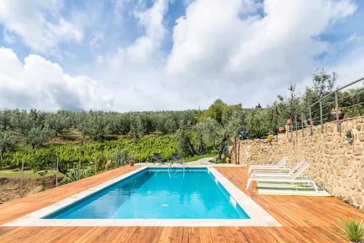 Exotic Holiday Home in Vinci with Swimming Pool