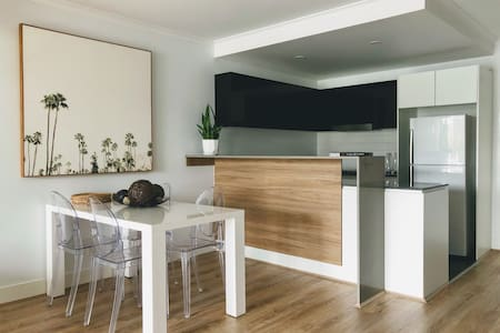 Staying Places | Beatrix | City 1BR with views