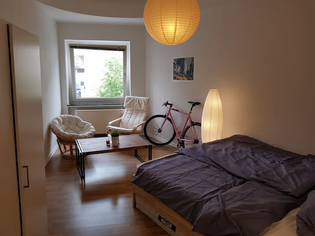 2 room apartment Cologne near koelnmesse