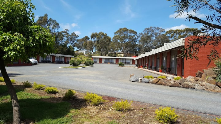 Seymour Motel: Clean and Comfortable Accommodation