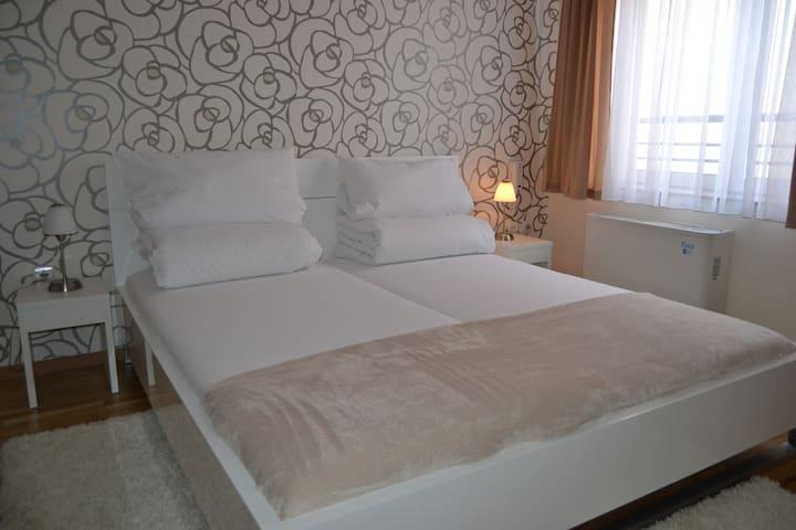 Prenoćište Alex 01 Room 4