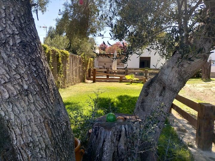 Villa Manuela 2-4 Pax WIFI A/C
