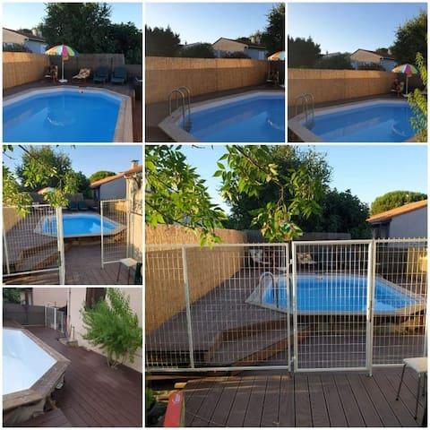 Offre fin saison 2 lits , maison, jardin +piscine