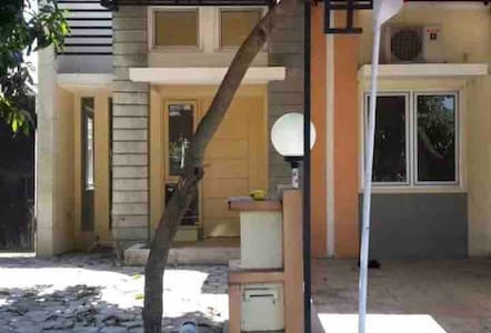 Rumah / kost dekat unimus kampoeng semawis