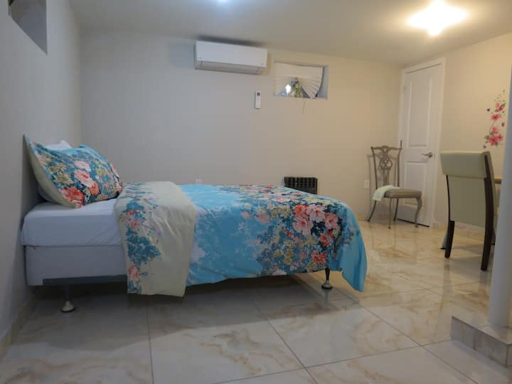 Private Studio Apartment in Heart of Brooklyn!!