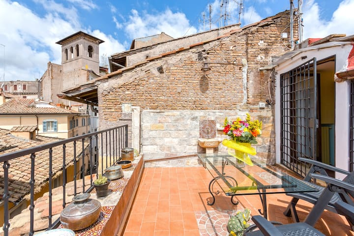 Vacche with Terrace | 1 BDR apt in Navona 2 PAX