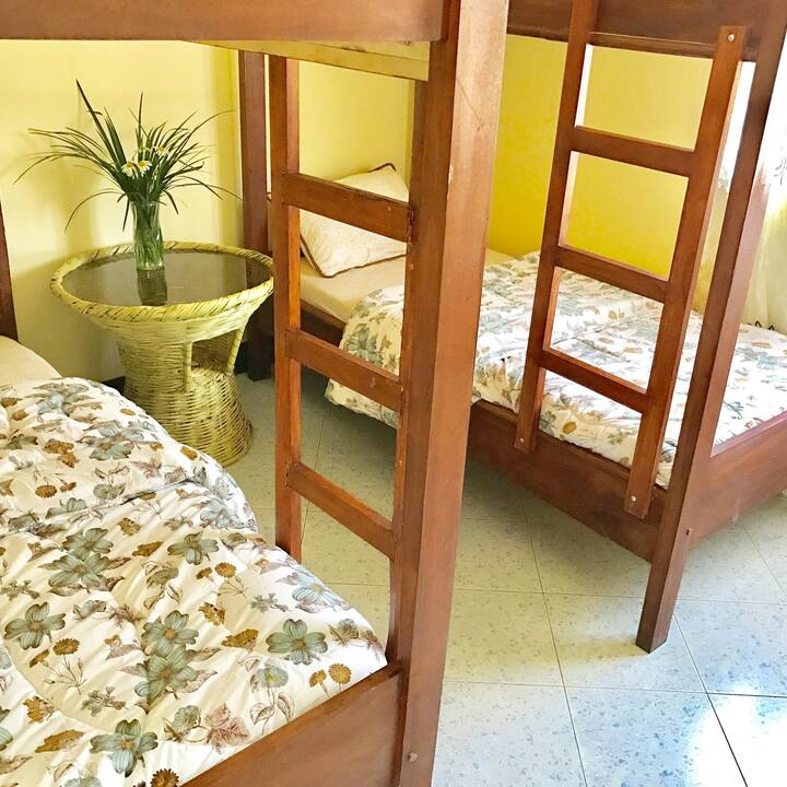Single Bed| Dorm| Free Breakfast | Free WiFi