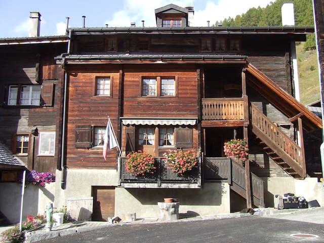 Gemütliches Familienhaus  für aktive Erholung - Blitzingen - Haus