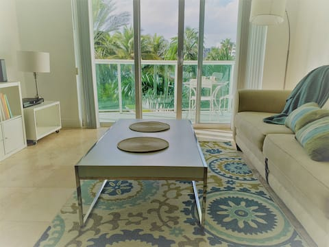 Charming Apartment located right on the beach