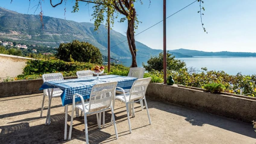 GH Fontana - Two Bedroom Apartment with Terrace and Sea View