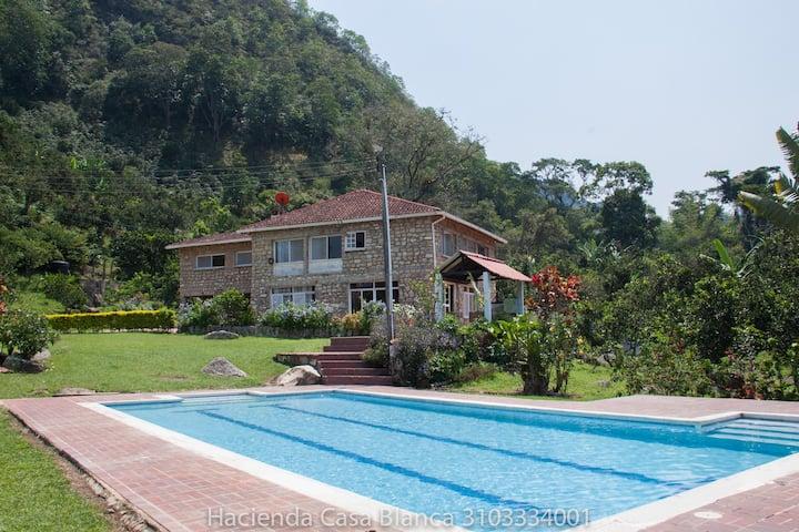 Hacienda Casa Blanca Sasaima
