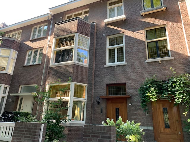 Large city villa in Maastricht, short stay
