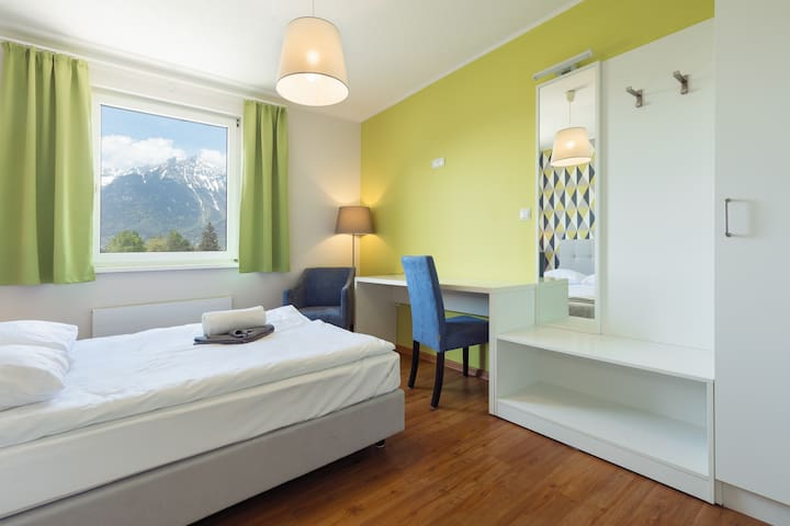 Double Room Ensuite with Mountain View