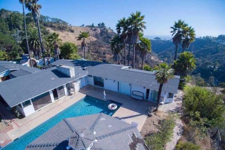 Hollywood Escape Ocean & City Views - Los Angeles - Hus