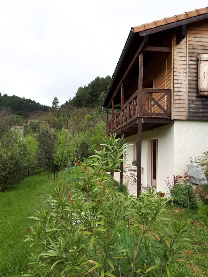 Studio au sein d'une micro-ferme en Sud Ardèche