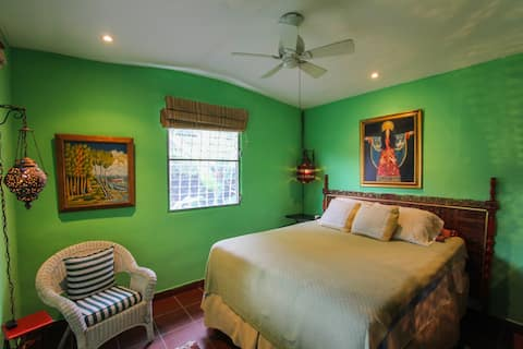 Serene, Queen Room, Casita, Soul House