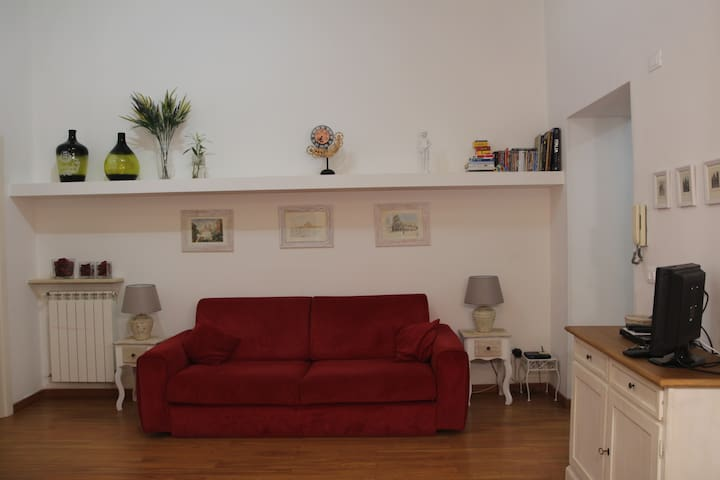 Beautiful apartment near Colosseo