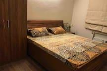 Second Bedroom (2-3)