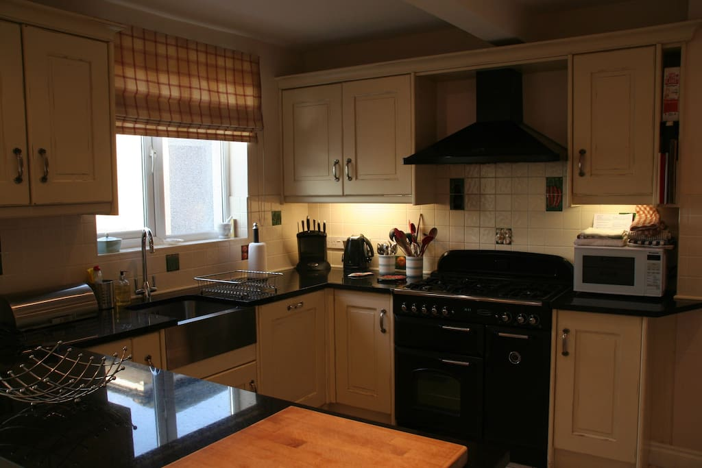 Well equipped Kitchen with range cooker and microwave