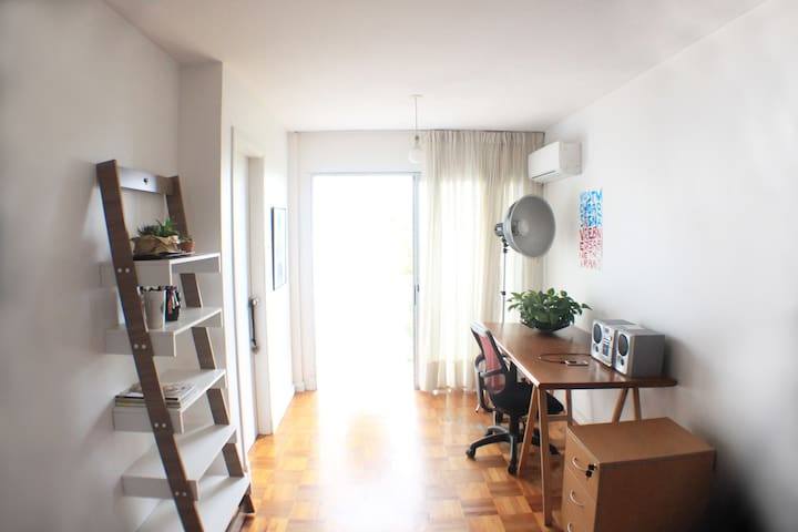 Apartamento muy luminoso y bien ubicado