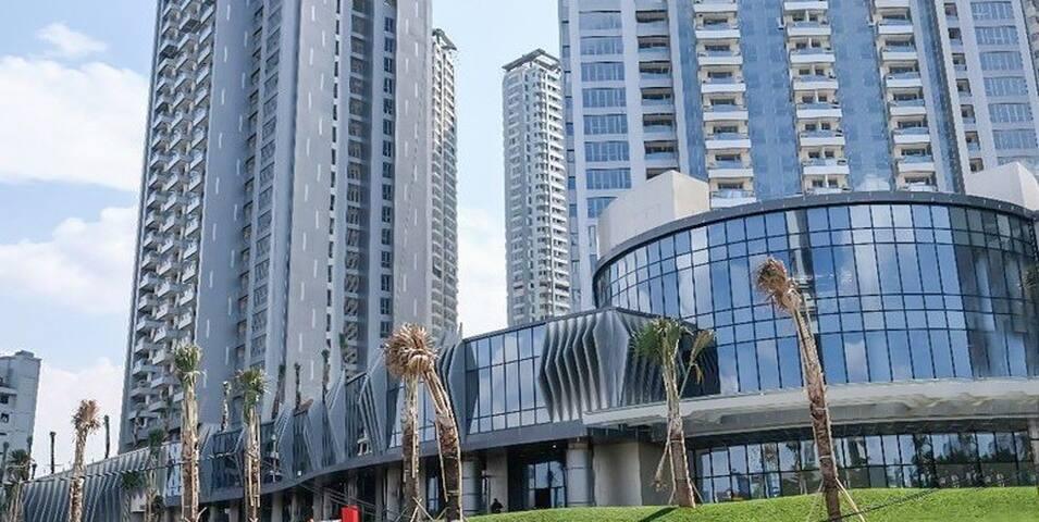 NEW- Luxury 3BR Taman Anggrek Residence-City view