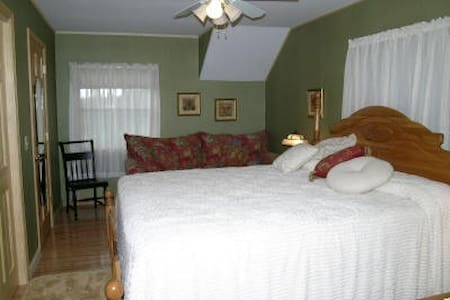 Anna May, A cozy retreat! - Bemus Point