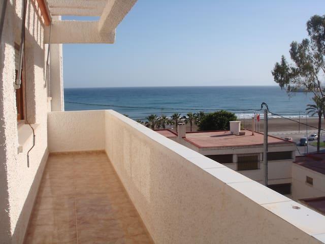 Ático con vistas al mar en Águilas - Águilas - Apartamento