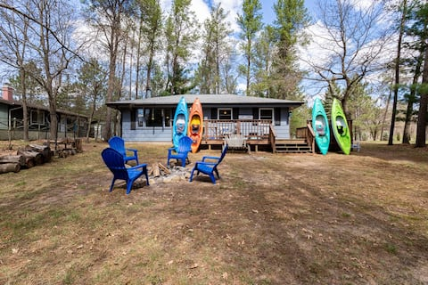 4Beds4Kayaks-Lake Camelot Wisconsin Dream