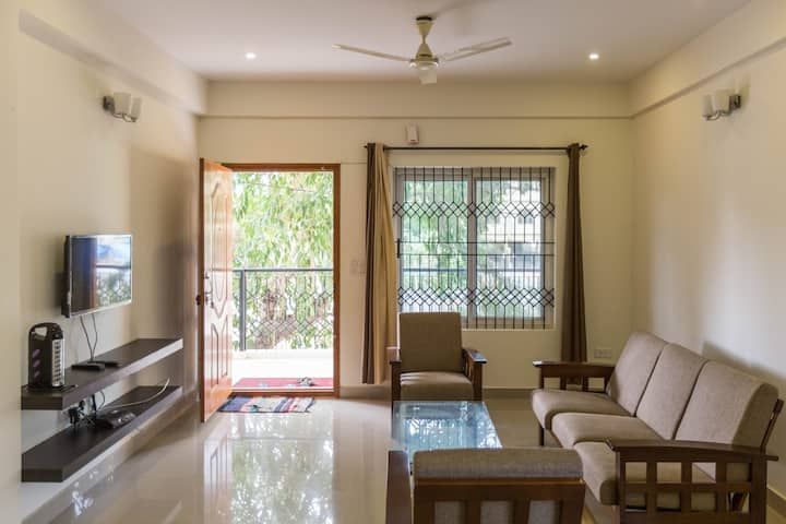 furnished entire 2BHK  Flat close to JP Morgan