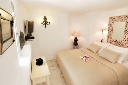 Jasmin authentic cave room - Oia - Bed & Breakfast
