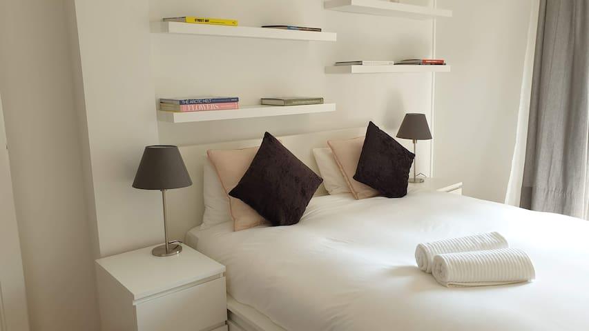 Artsy & Chic 1 Bedroom - Geneva Center '3