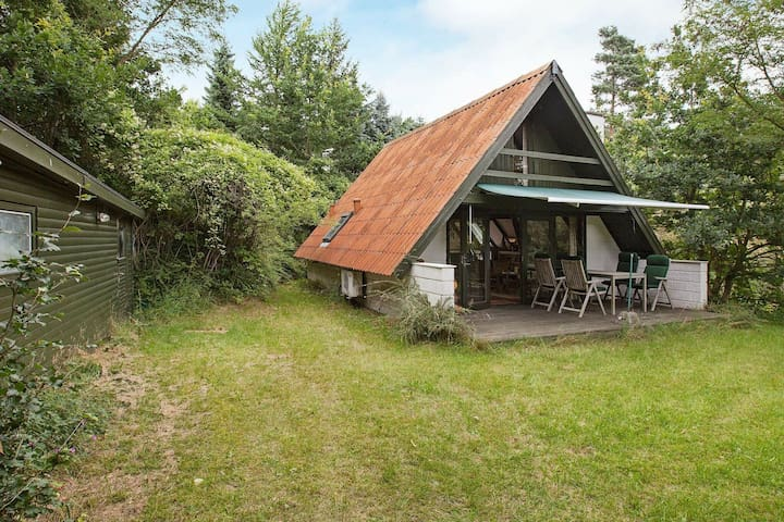 Tranquil holiday home in Ebeltoft close to Sea