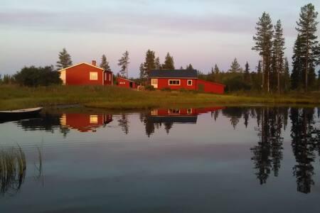 Vollausgestattete Schweden-Stuga im Naturreservat