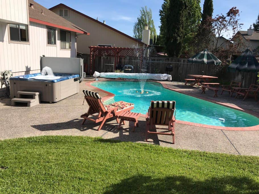 Wine country and private swimming pool houses for rent in windsor california united states for California private swimming pool code
