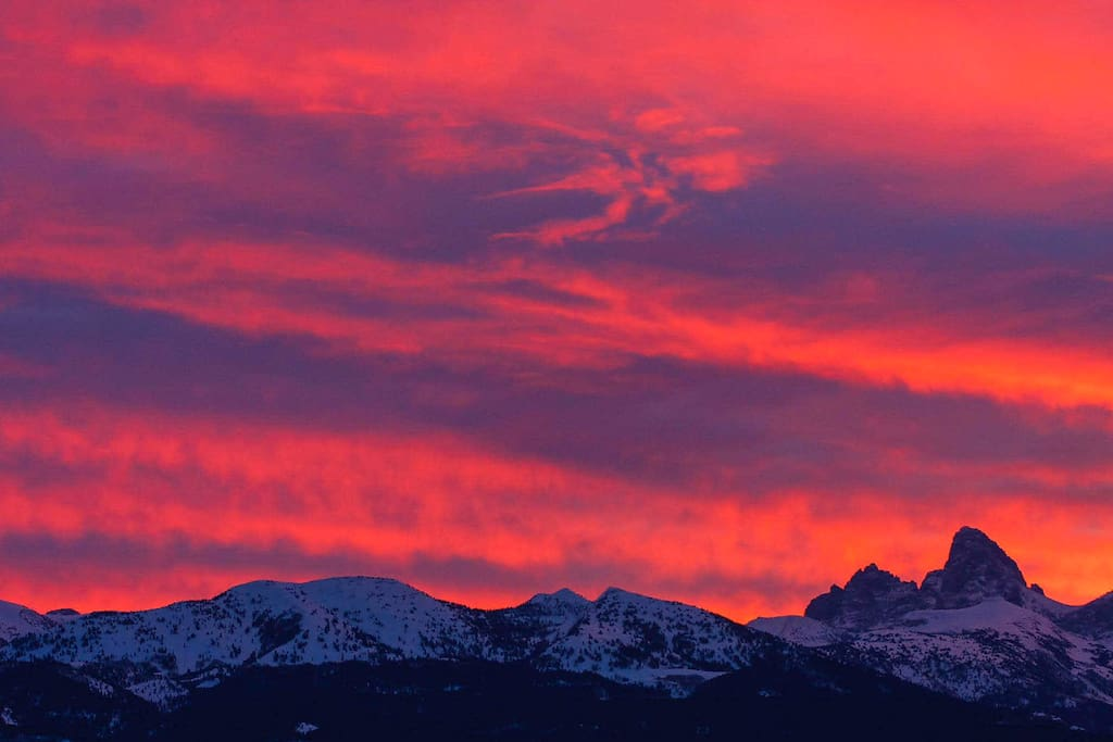 Gorgeous Sunset view of the Tetons