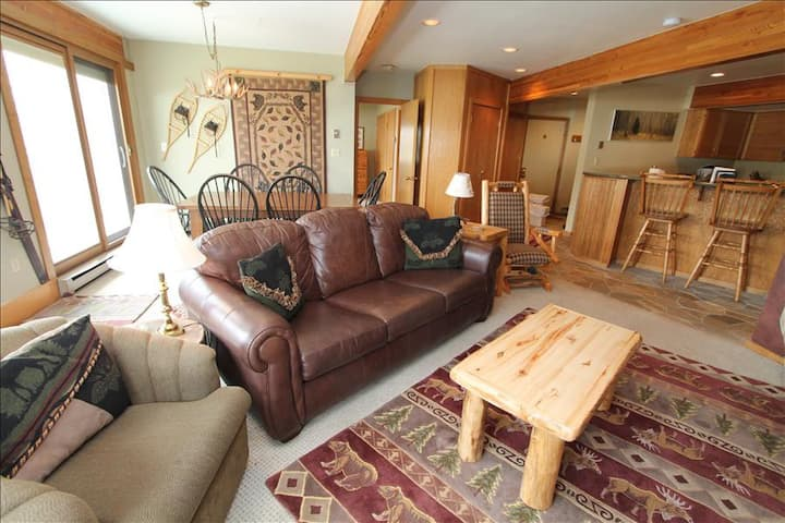 Incredible Ski in/out Gateway Condo.  Comfortable, pet friendly, hot tub!