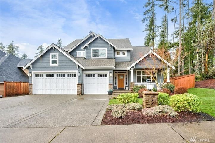 3 bedroom in central Gig Harbor!