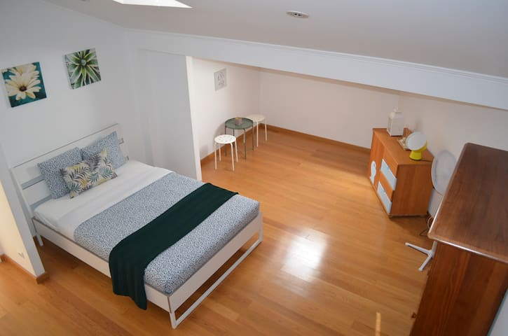Cozy Studio at Carcavelos Beach - 1 Bedroom