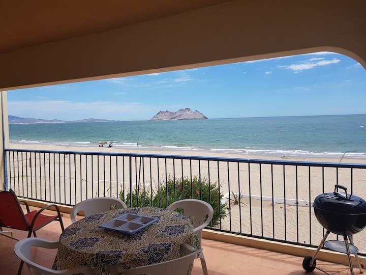 Cómodo departamento frente a la Playa!!