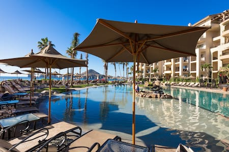 Luxury Condo with Amazing Views of Land's End! - Cabo San Lucas - Wohnung