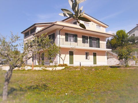 Diamante House 763 Stupenda villa nel verde