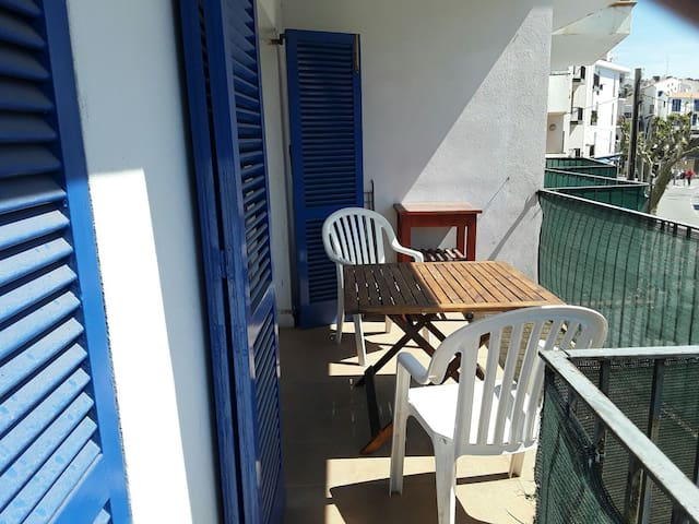 Very well equiped flat. Central location. - Cadaqués - Appartement