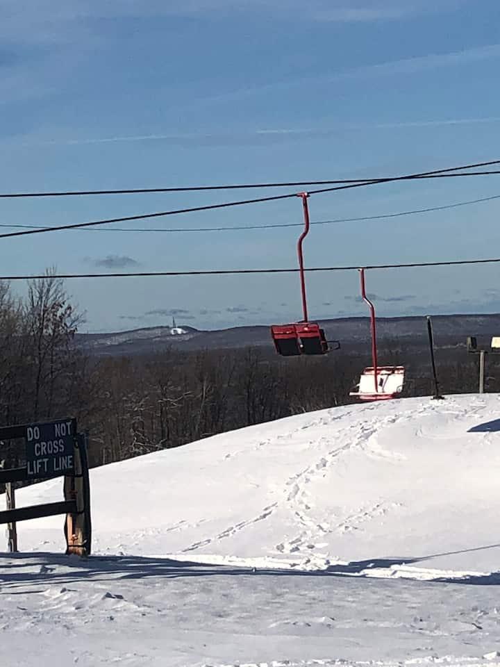 Upper Michigan Skiing and Snowmobiling Retreat