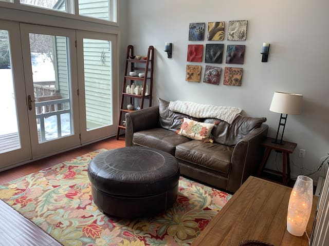 Bright  & Open Two Bedroom Townhouse