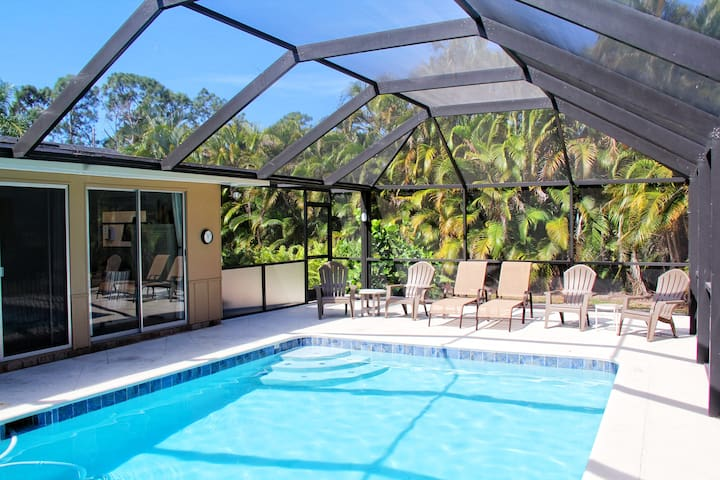 Heated Pool Home, Close to Downtown - Naples - Hus